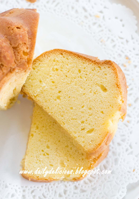 dailydelicious: Basic Vanilla Pound Cake