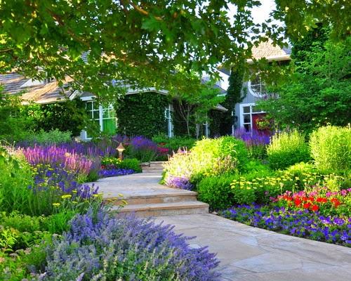 taman indah didepan rumah . Ada banyak model dan bentuk taman ...