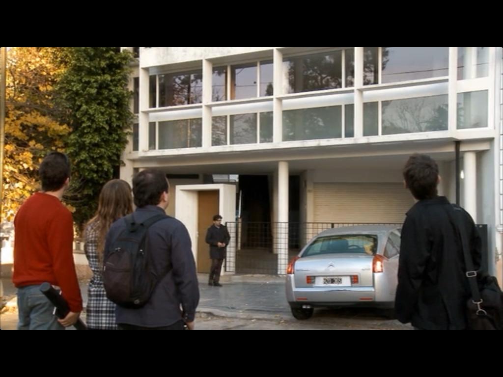 "fachada da casa projetada por Le Corbusier - filme ""O homem ao lado"""