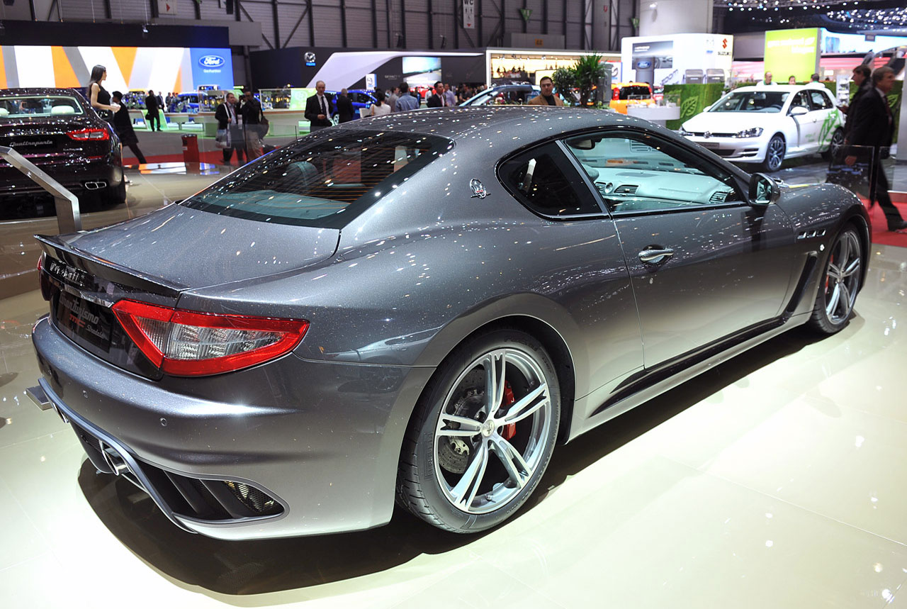 autoblog 2013 maserati granturismo mc stradale gets its groove seats back. Black Bedroom Furniture Sets. Home Design Ideas