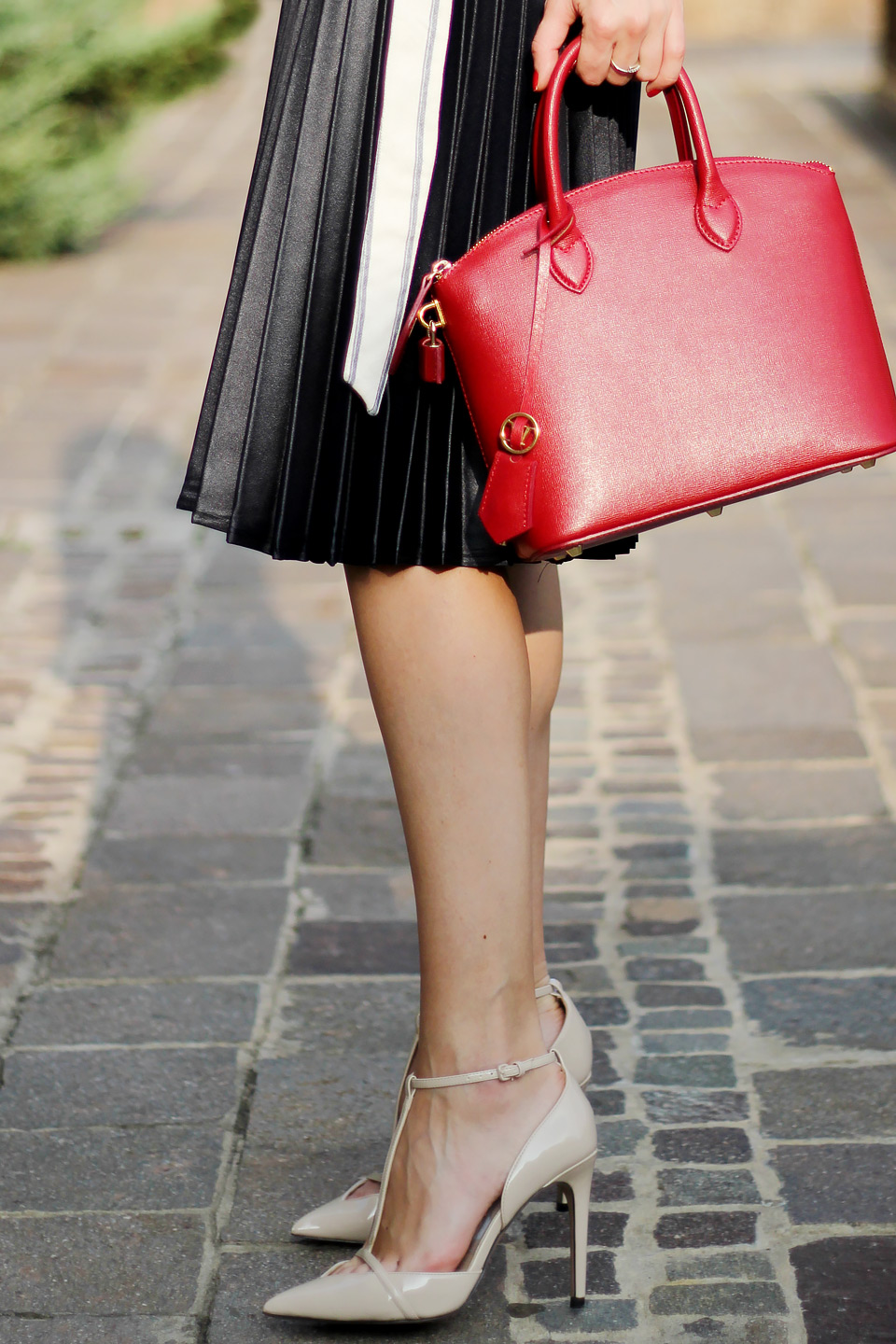 pleated midi skirt, red mini bag, cream color heels, fall outfit