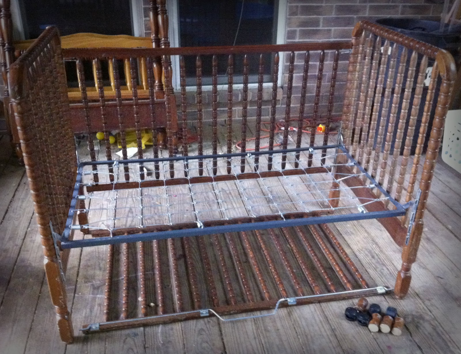 Made To Love: Upcycled Crib to a Bench: