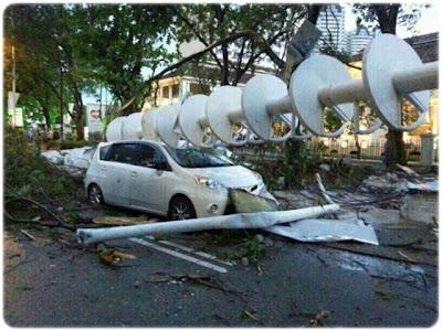 gambar angin kencang di pulau pinang, gambar ribut di penang 13 jun 2013, ribut di penang 13 jun, gambar dan video ribut di penang, antena menara tercabut, gambar ribut kencang di penang, angin taufan di pulau pinang