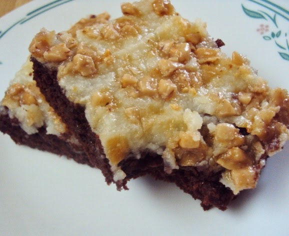 http://www.flourmewithlove.com/2014/04/gooey-butter-brownies-topped-with-toffee.html