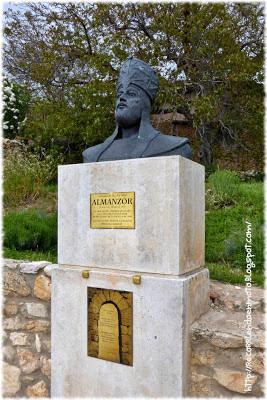 Busto Almanzor en Calatañazor