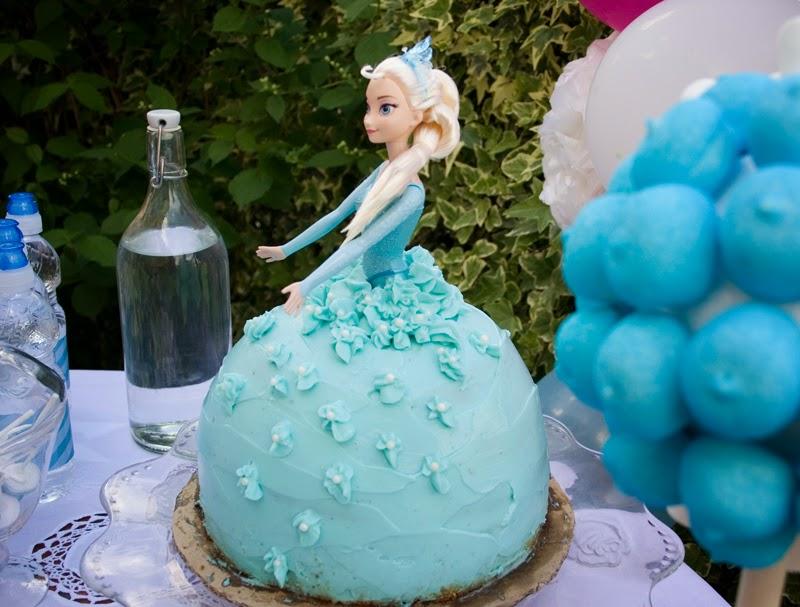 Tarta muñeca Elsa de Frozen - Cumpleaños Frozen9