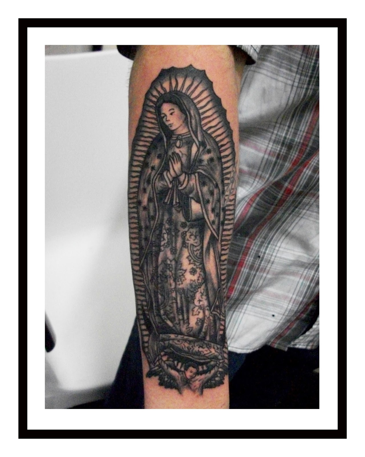 virgen guadalupe blanco pictures to pin on pinterest tattooskid. Black Bedroom Furniture Sets. Home Design Ideas