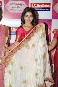 Samantha glamorous photos in saree-thumbnail-16