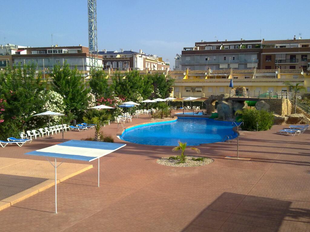 Noticias de x tiva y sus comarcas el blog de un locutor for Follando el la piscina