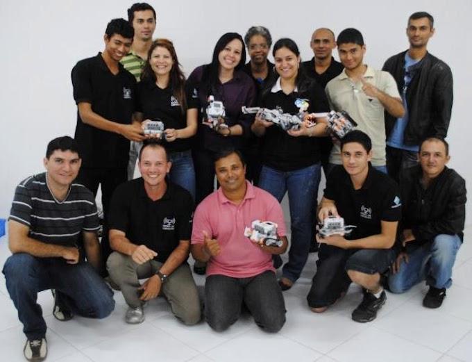 Ação social dos alunos da Estácio Fatern leva laboratório de Informática para comunidade de Felipe Camarão
