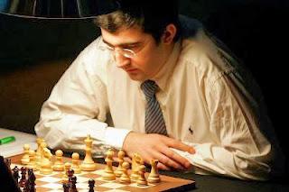 Retour sous les projecteurs du champion russe d'échecs, Vladimir Kramnik