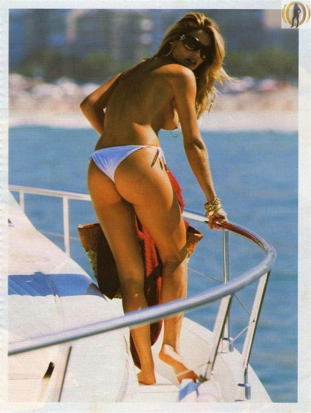 Flavia Alessandra Nua Pelada Na Playboy