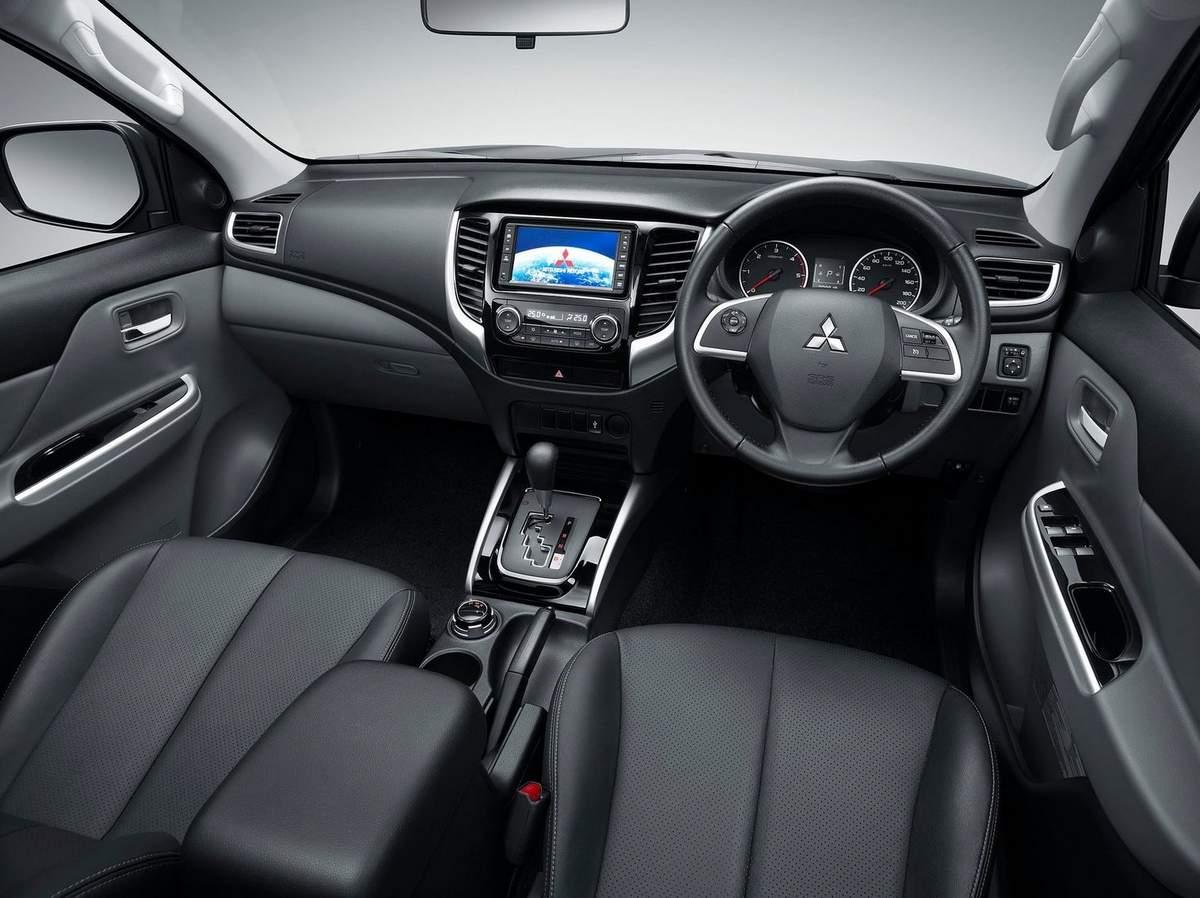 Nova Mitsubishi L200 - 2016