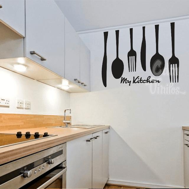 Vinilo decorativo cocina cubiertos colgantes cdm vinilos for Vinilos pared cocina