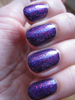 Accessorize-3D-Glitter-Magic-nail-polish