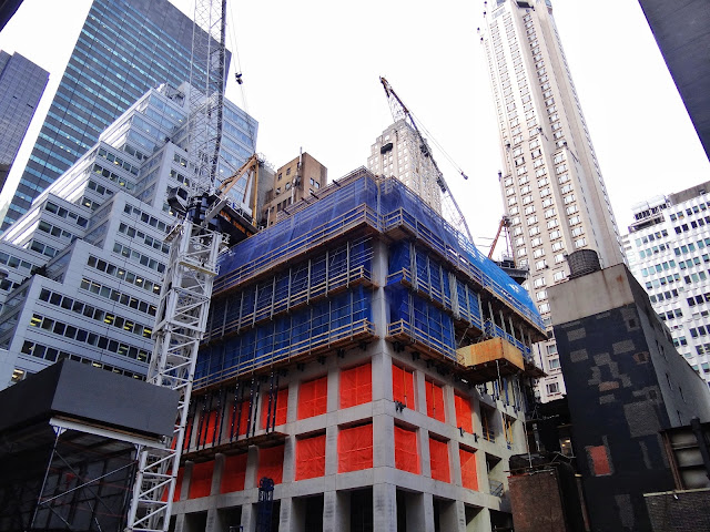 Construction photo of 432 Park Avenue skyscraper