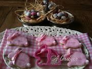 Conejos de Pascua con glasa real image