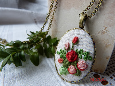 haftowane róże, embroidery, hand embroidery necklace