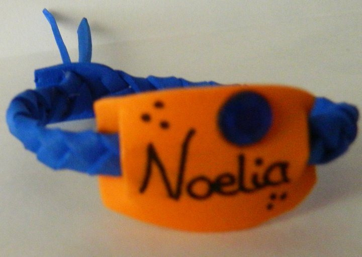 Productos artesanales pulsera de goma eva for Como hacer pulseras de goma eva