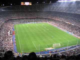 lapangan sepakbola dan ukurannya
