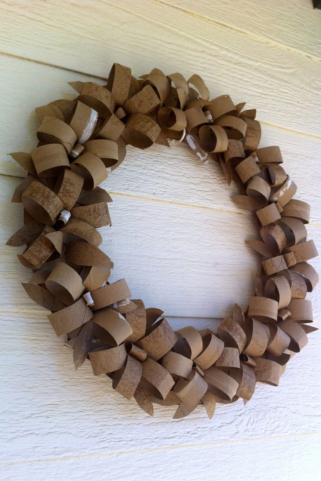 How to make a christmas decor out of recycled materials - Gallery For Gt Toilet Paper Roll Crafts Wreath