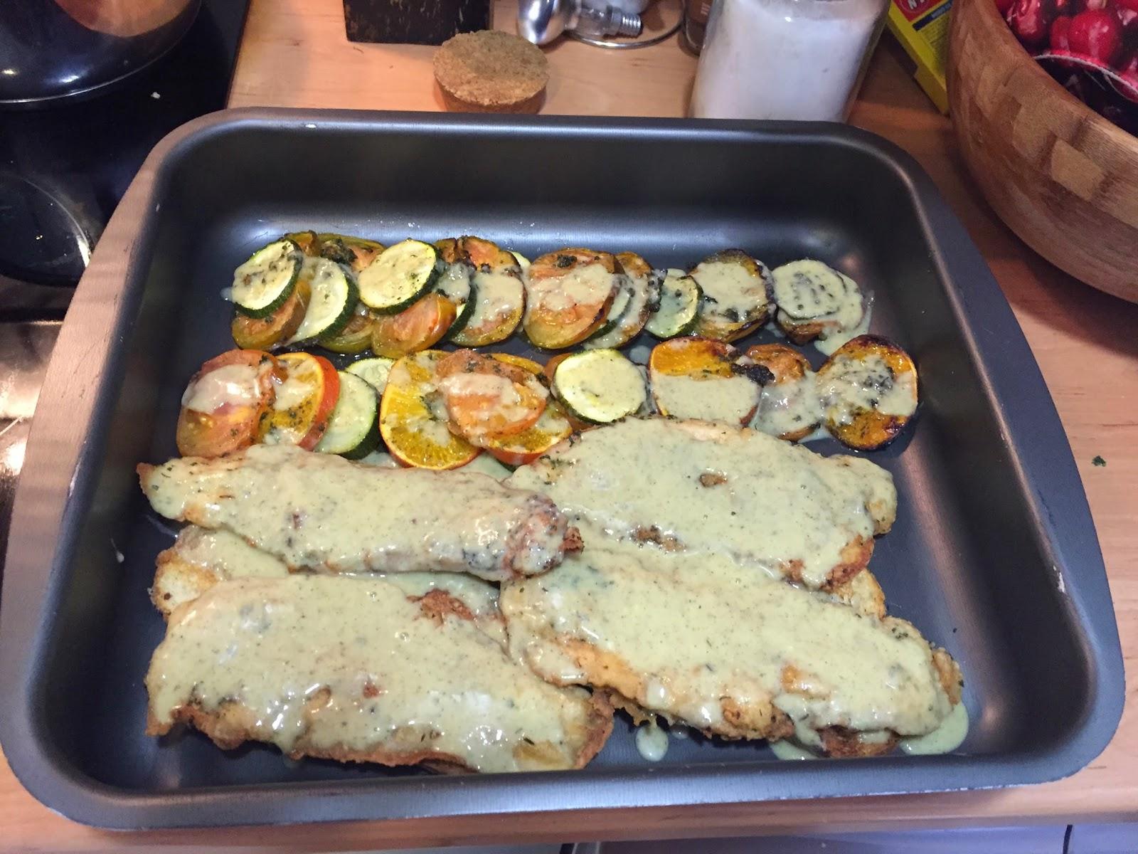 Los fogones de perico merluza al horno con verduras sobre - Salsa para verduras al horno ...