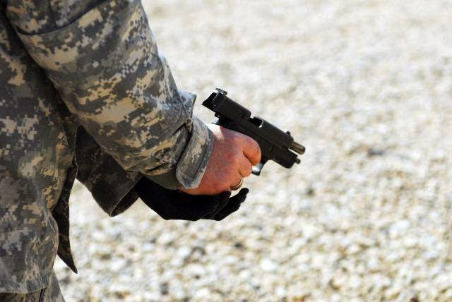 Military News - Soldiers want OK to carry concealed weapons on base