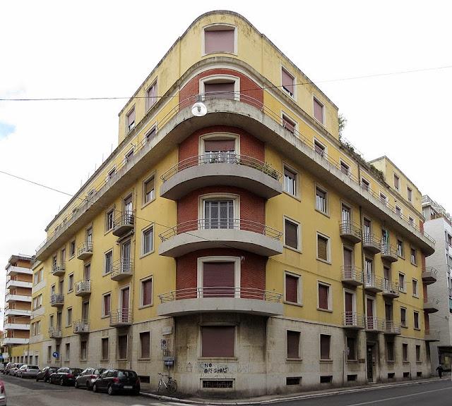 Building on the corner of Via Nardini and Via Marradi, Livorno