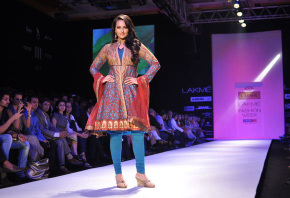 Sonakshi Sinha for JJ Valaya1 -  Bollywood celebs at Lakme Fashion Week 2012