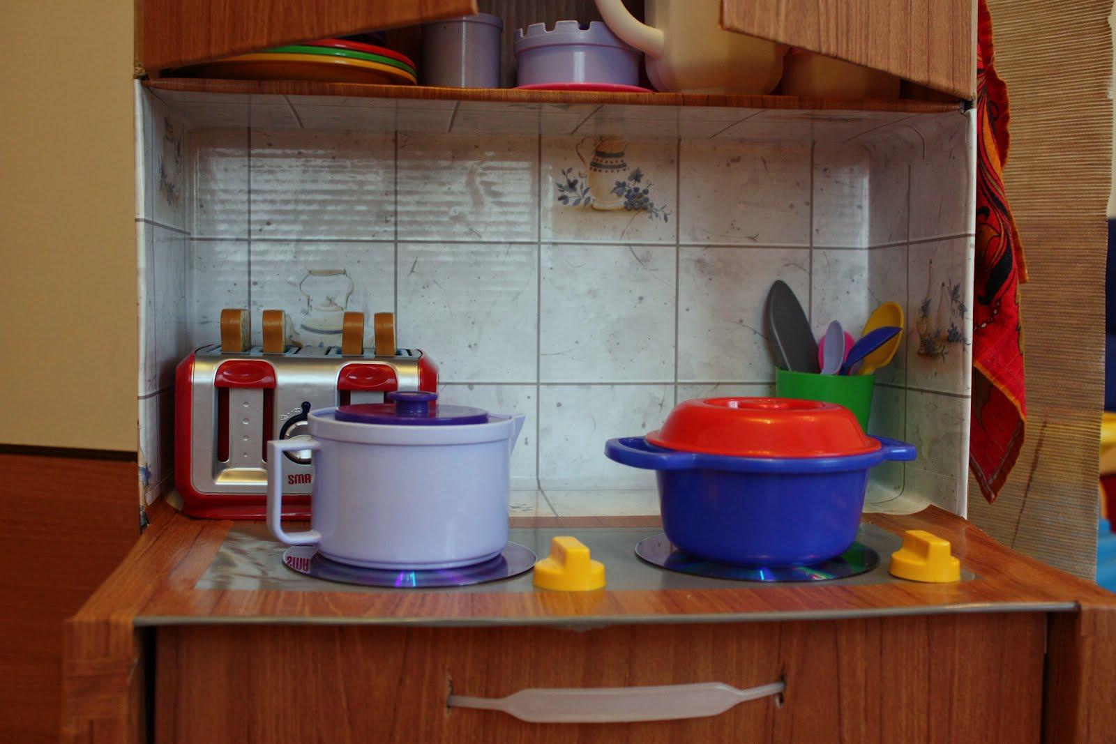 Как сделать детскую кухню из коробок своими руками фото для