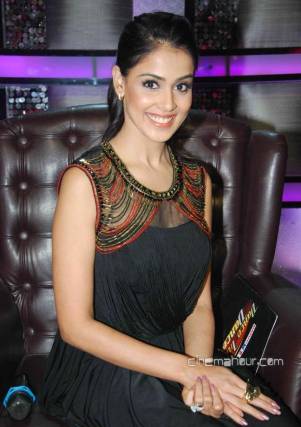 1 - Ritesh and Genelia On The Sets Of Dance India Dance 3