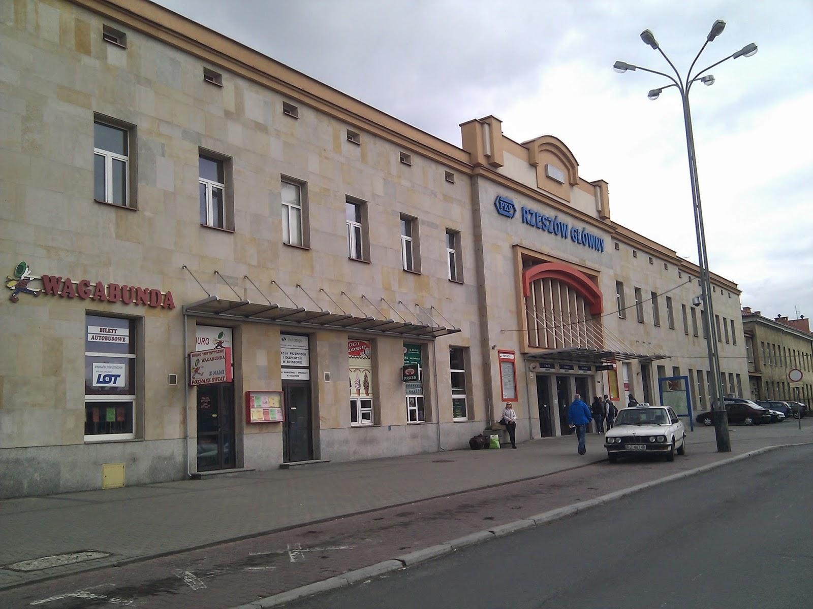 Rzeszow Poland  city photos gallery : railway stations: Poland: Rzeszow Rzeszów Główny, dworzec kolejowy ...