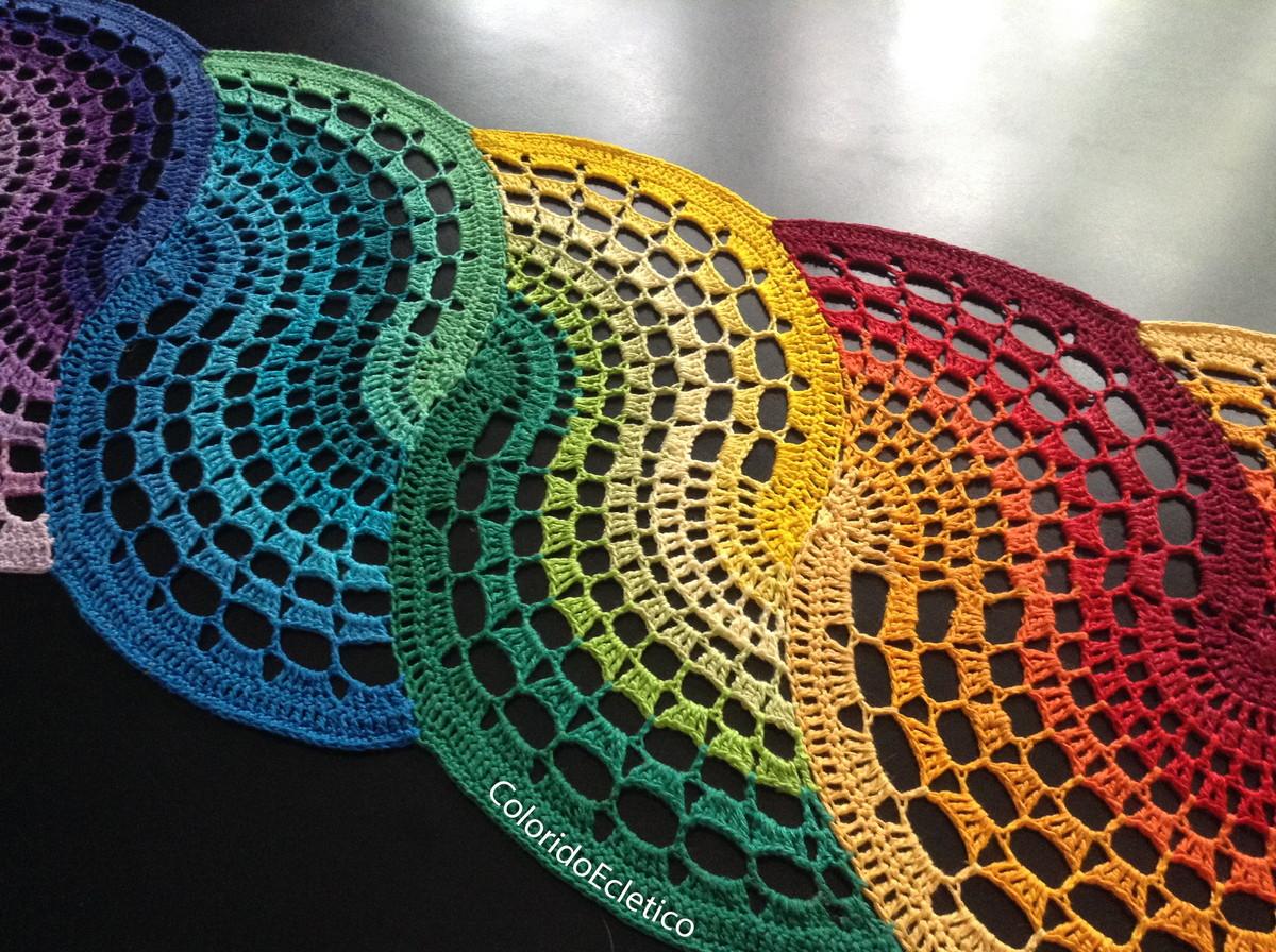 Trilho de mesa feito com linha de algodão