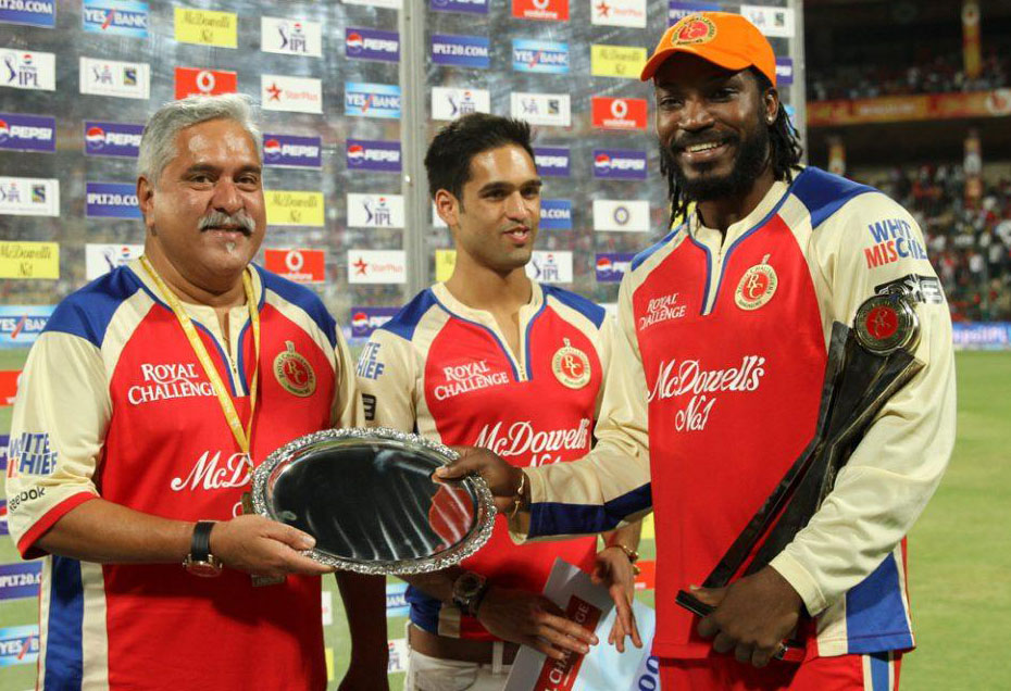 Chris-Gayle-Man-of-the-Match-RCB-vs-PWI-IPL-2013