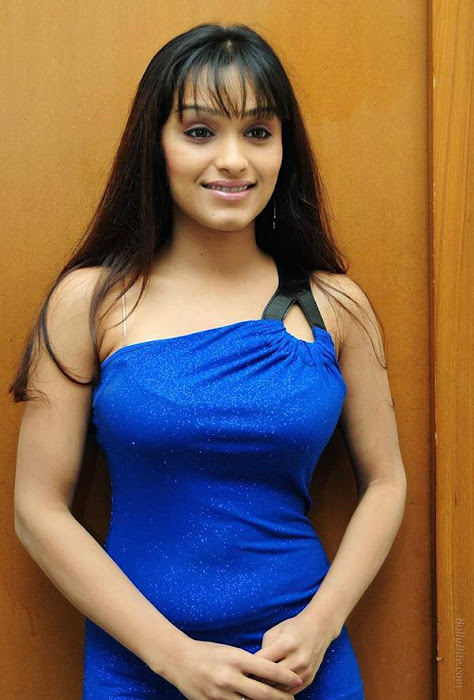 side | arya vora in blue cute stills