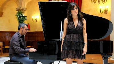 Cantante y pianista del grupo Godaiva