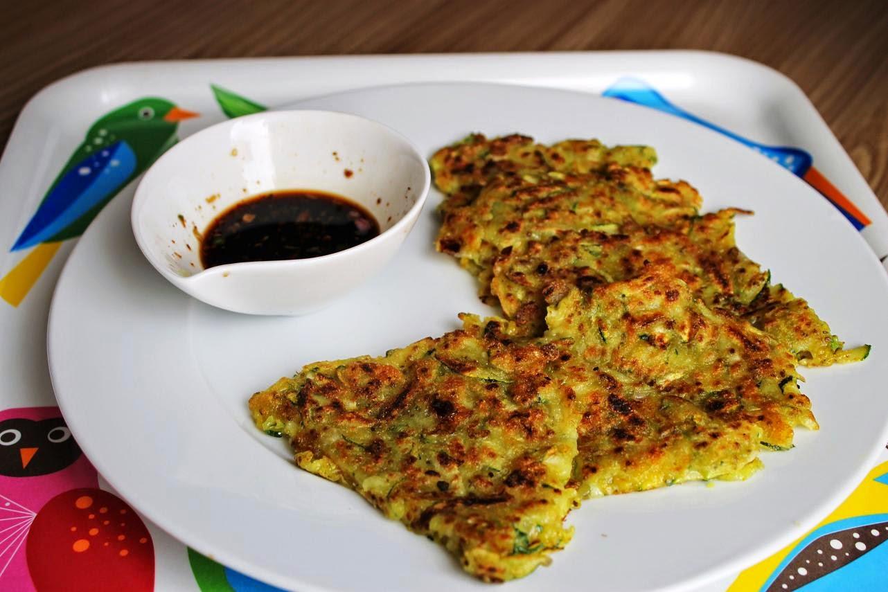 Koreanische Zucchinipfannkuchen (vegan)