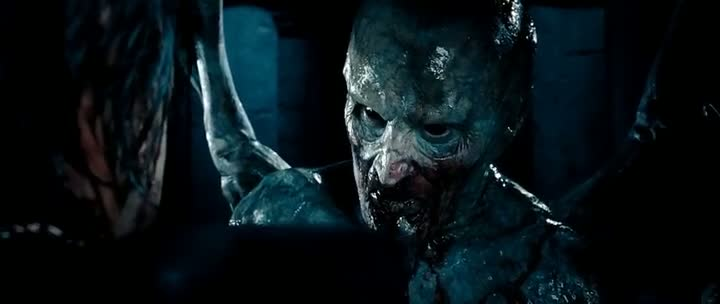 Screen Shot Of Underworld Evolution (2006) Dual Audio Movie 300MB small Size PC Movie