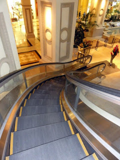 Curved Escalator inside Caesar's Palace - Las Vegas