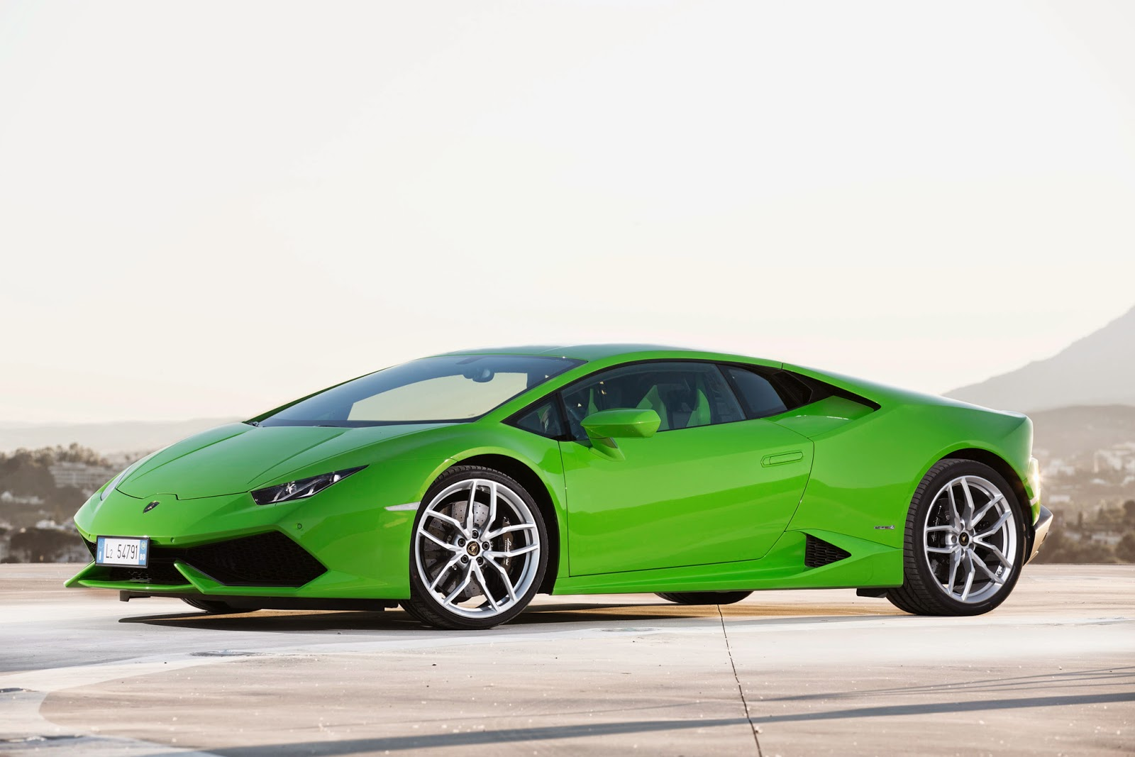 2014 lamborghini huracan specs and price specs price release date and review. Black Bedroom Furniture Sets. Home Design Ideas