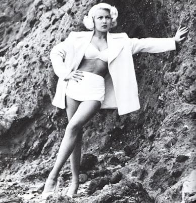 Lana Turner w stroju Irene