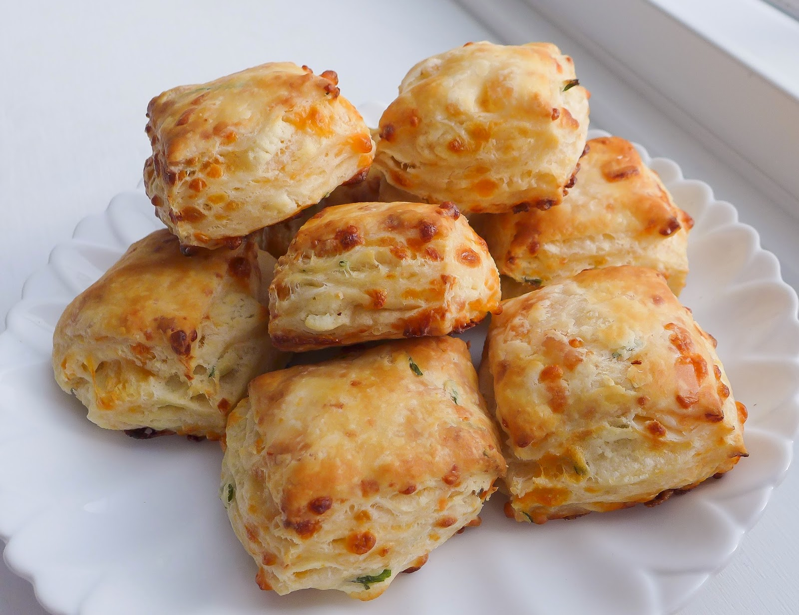 Cheddar, Goat Cheese and Chive Biscuits (adapted from The English ...