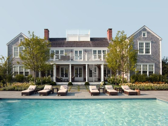 Coastal style hamptons style get the look for Hampton style homes
