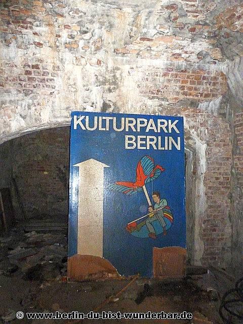 Eierhäuschen, Restaurant, Kneipe, Berlin, verlassene, abandoned, planterwald, spreepark