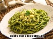 Špagety s rukolovo-mandľovým pestom - recept