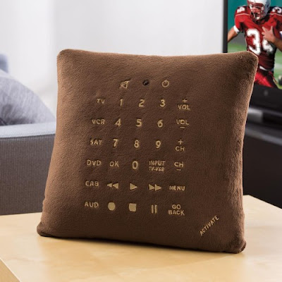 Innovative and Clever Gadget Pillows (15) 12