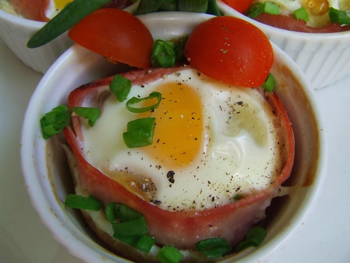 jaja zapiekane w szynce