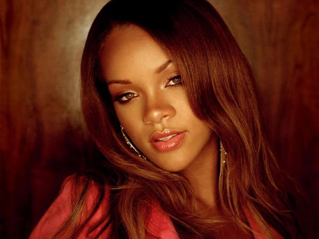 Rihanna Hot HD Wallpaper