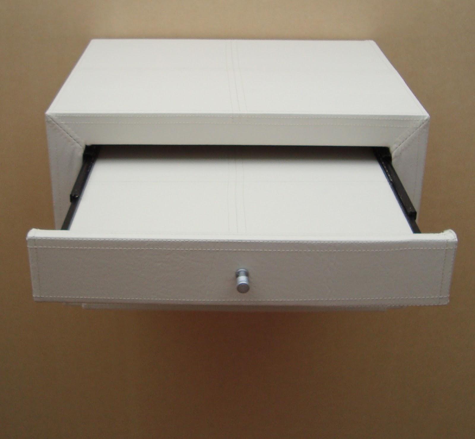 Brancaleone tapizados mesa de luz flotante for Mesa de luz para dibujo