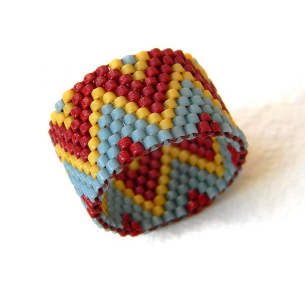 Кольцо из бисера –  этно-кольцо с узором